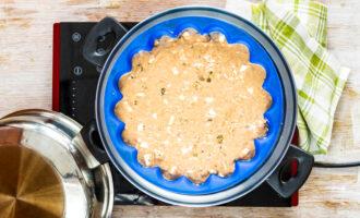 Постный пряный пирог с яблоками на пару