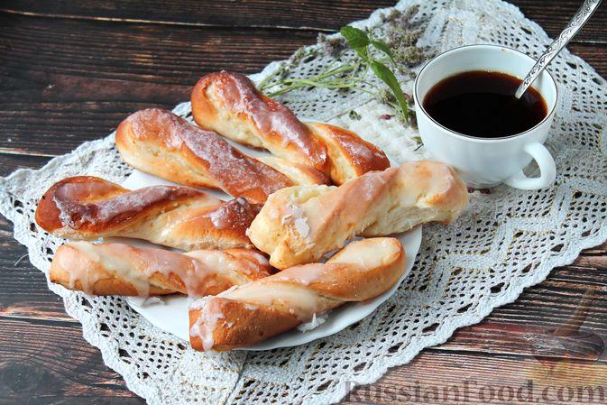 Сладкие булочки с пудингом и сливочной глазурью