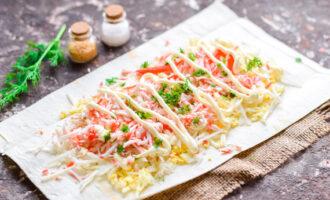Рулет из лаваша с крабовыми палочками и яйцом — пошаговый рецепт с фото