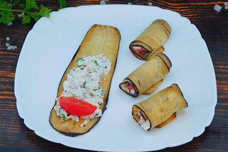 Рулетики из баклажанов с творогом и грецкими орехами