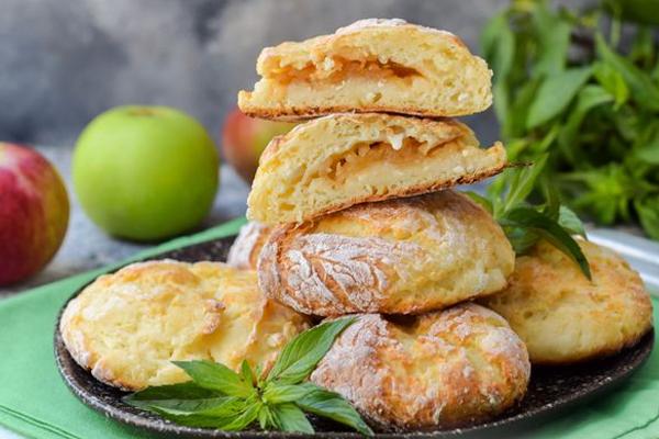 Сырники с яблоками в духовке
